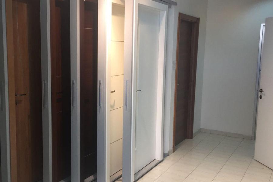 אולמות תצוגה דלתות גאש natanya