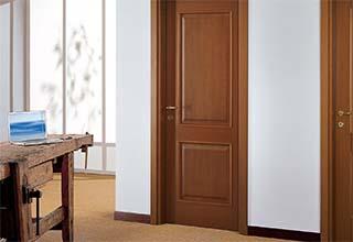 דלתות עץ לבית